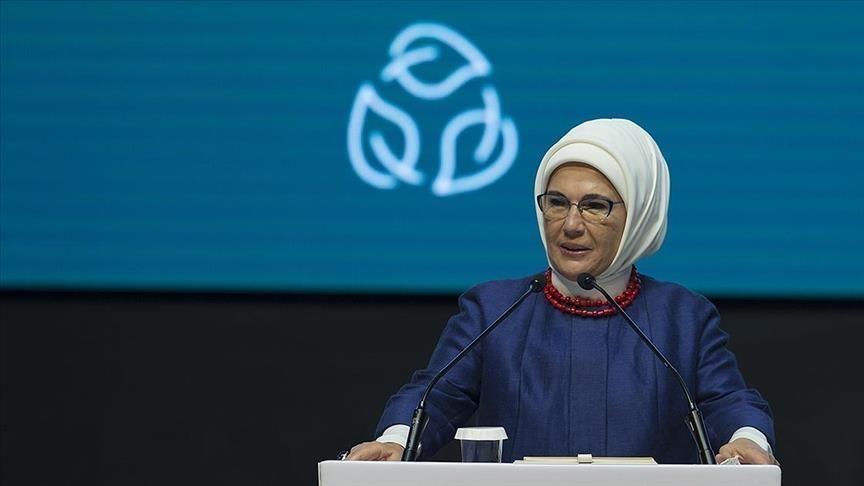 أمينة أردوغان: مخلفات مكافحة كورونا أحدثت تلوثاً بنظام البيئة