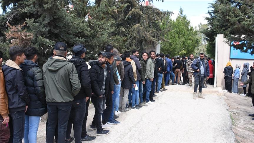 مئات الطلاب يخوضون امتحان القبول الجامعي التركي شمالي سوريا