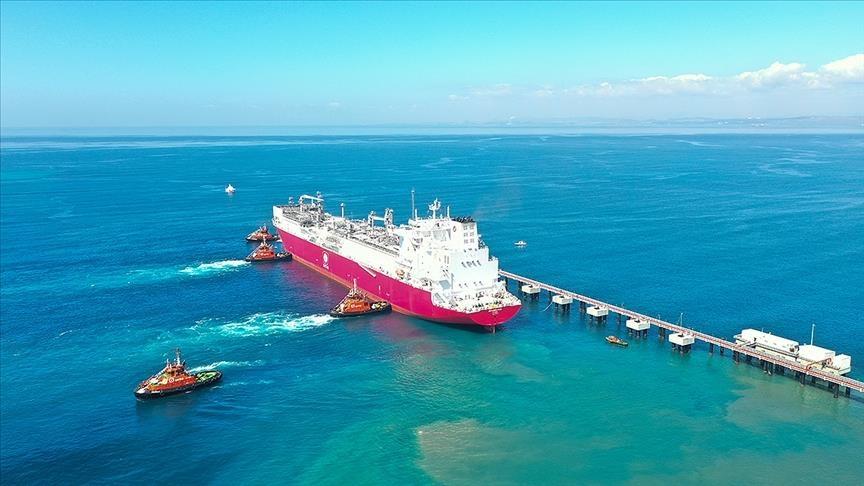"""""""أرطغرل"""".. أول سفينة تركية لتخزين وتغويز الغاز المسال تصل البلاد"""