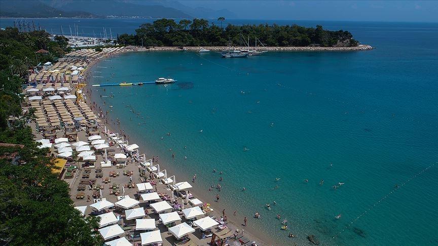 تركيا.. 2.5 مليار دولار عائدات السياحة في الربع الأول 2021