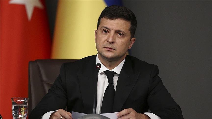 ردا على تقليص روسيا رحلات الطيران لتركيا.. رئيس أوكرانيا يدعو لدعم أنقرة بالمجال السياحي