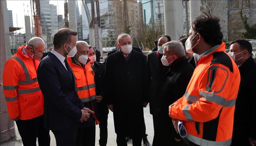 """الرئيس أردوغان يتفقد أعمال بناء مسجد """"لفنت"""" في إسطنبول"""