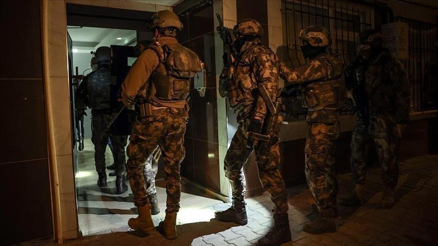 """تركيا..القبض على 3 مشتبهين بالانتماء لـ""""داعش"""""""