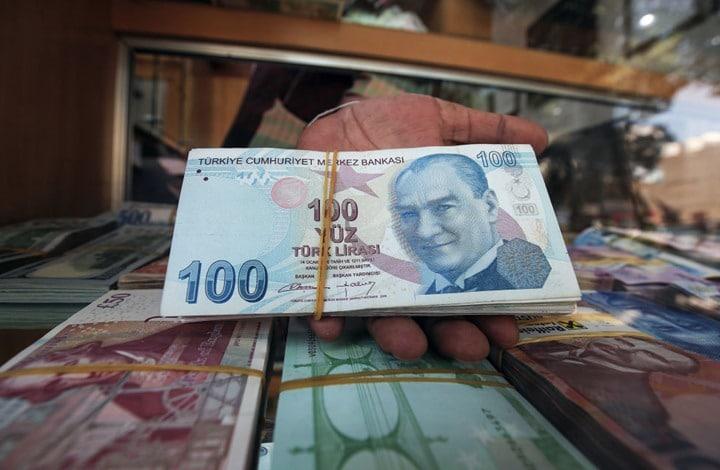 سعر صرف الليرة التركية أمام الدولار واليورو