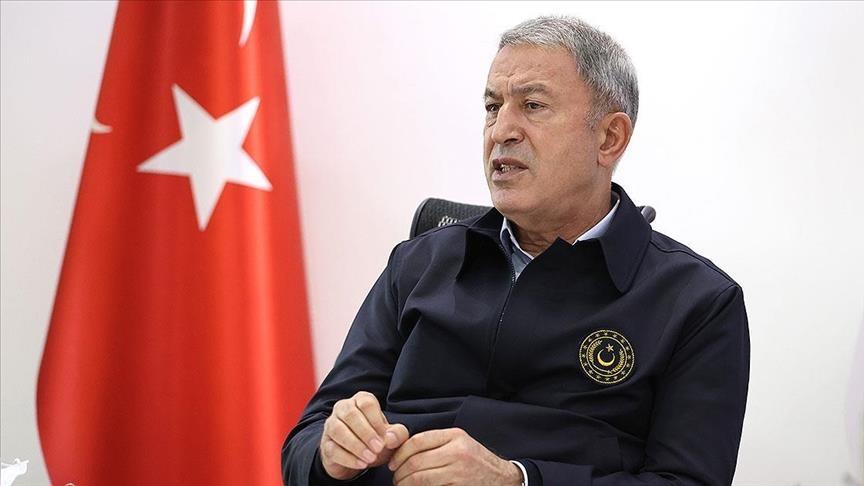 وزيرا الدفاع التركي والعراقي يبحثان قضايا أمنية ودفاعية
