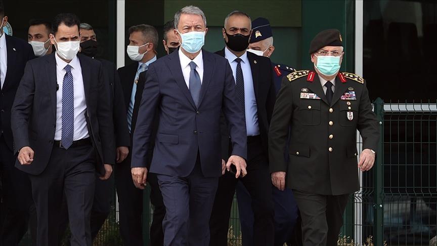 وزير الدفاع التركي يتوجه إلى العاصمة الليبية طرابلس