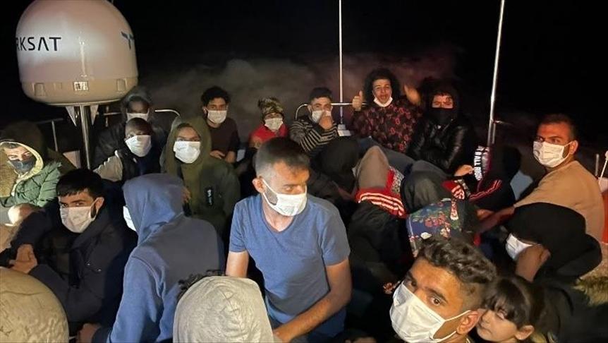 تركيا تنقذ 30 مهاجرًا غير نظامي قبالة سواحل موغلا