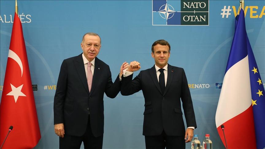 ماكرون: أجريت اجتماعًا مطولًا مع الرئيس أردوغان