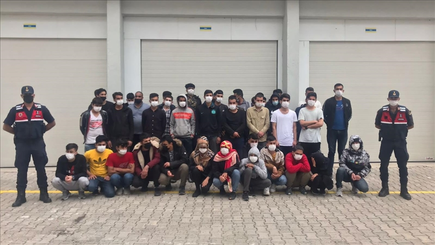 تركيا.. ضبط 73 طالب لجوء بولاية أنطاليا