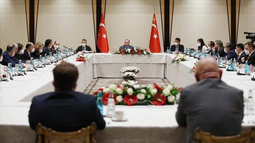 """أردوغان يترأس اجتماعًا أكاديميًا لبحث مشكلة """"الصمغ البحري"""""""
