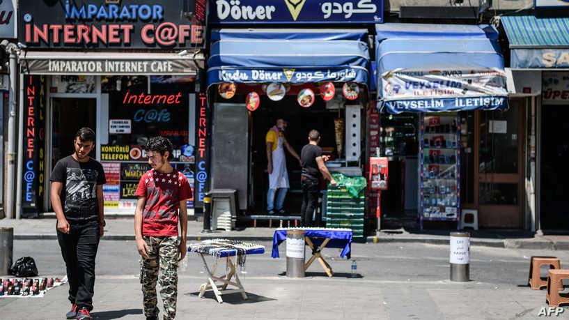 """السوريون في تركيا.. حملات """"تحريض"""" مع فتح المعابر لإجازات العيد"""
