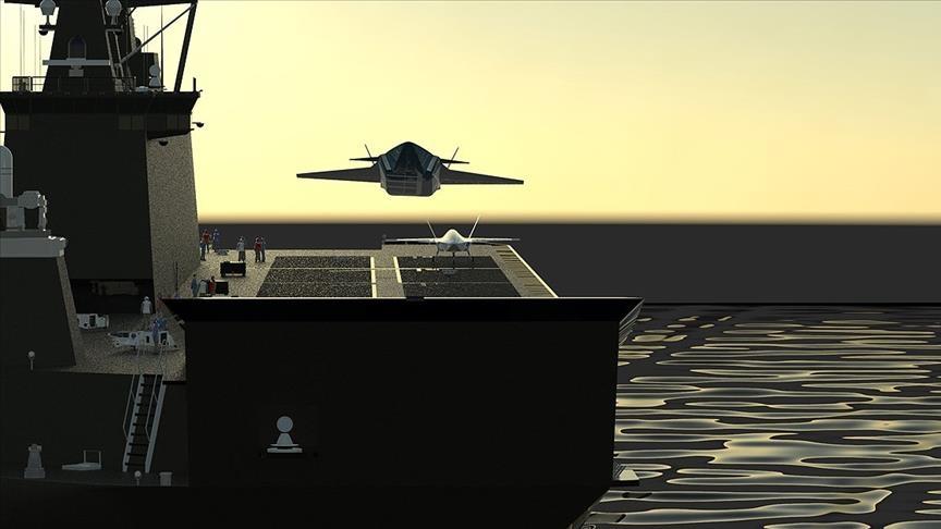 """مهمة مشتركة لـ""""بيرقدار"""" والمقاتلة المسيرة على حاملة الطائرات"""