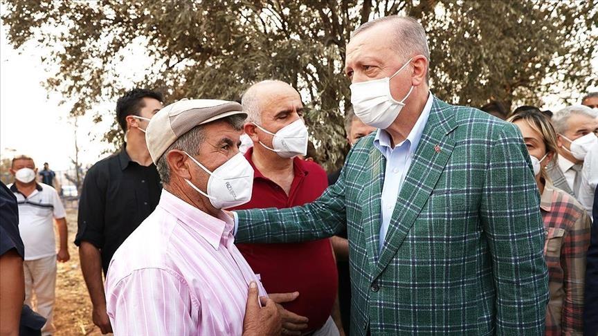 أردوغان يلتقي مواطنين متضررين من حرائق الغابات