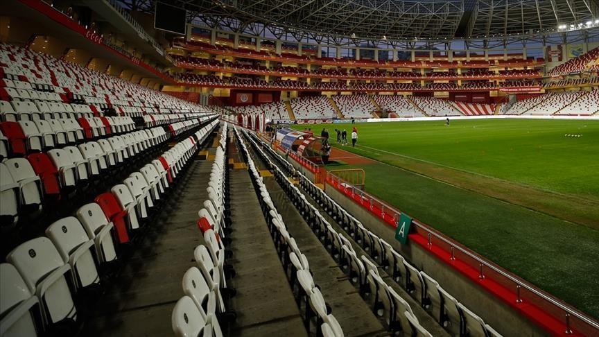 قدم: عودة 50 بالمئة من الجماهير للمدرجات الموسم القادم بتركيا
