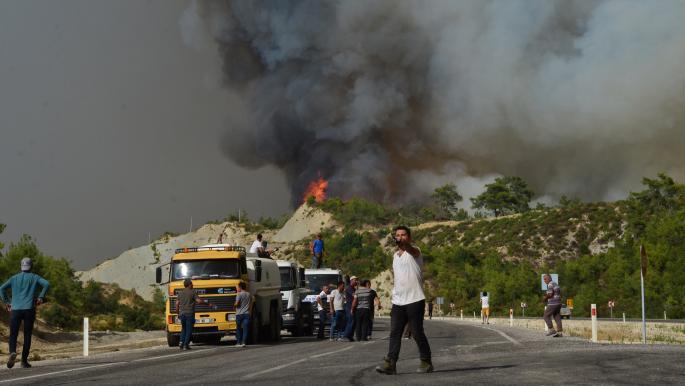 استمرار الحرائق في تركيا يكبد الاقتصاد خسائر بملايين الدولارات