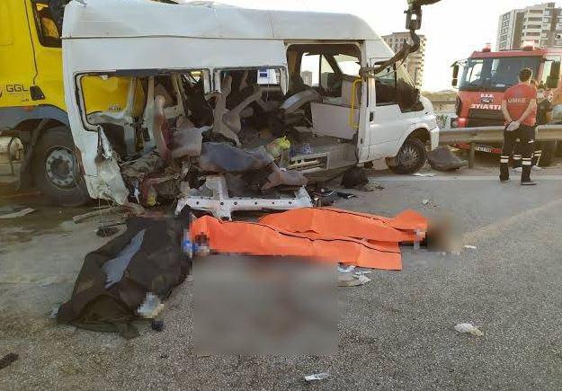 18 سورياً بين قتيل وجريح بحادث سير مروع جنوبي تركيا (فيديو)