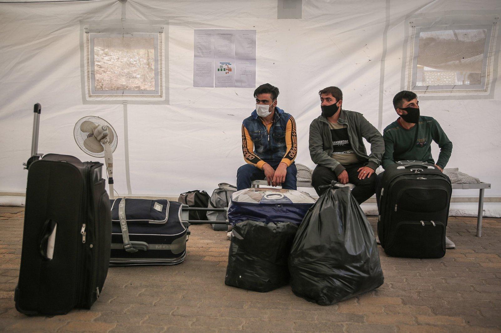 تحطيم الخرافات حول قضية المهاجرين واللاجئين السوريين في تركيا