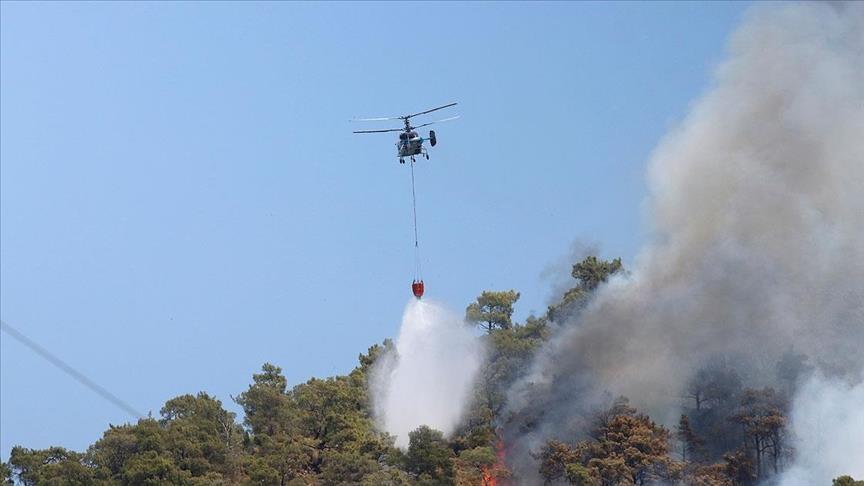 براً وجواً.. تواصل عمليات إطفاء حرائق الغابات بأنطاليا