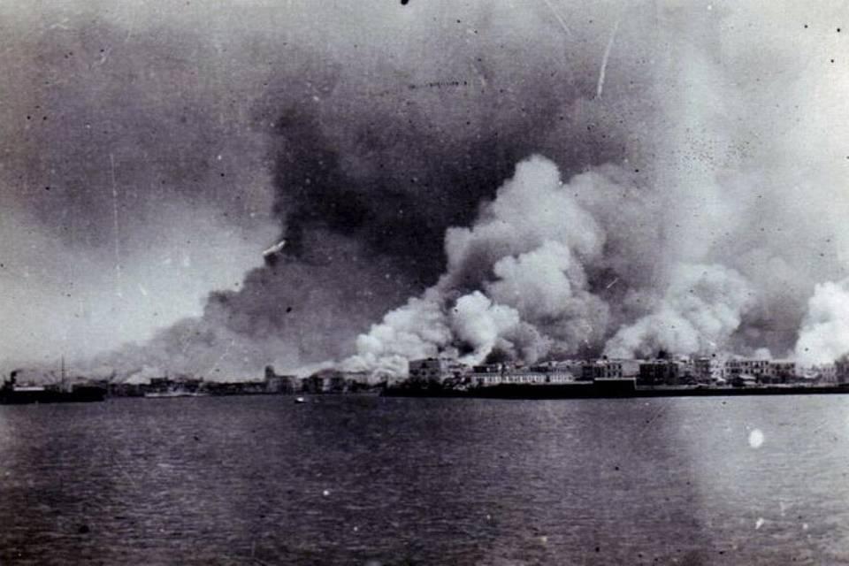 جمعوا السكان بالمسجد وأحرقوه.. عندما انتقم اليونانيون بعد هزيمتهم في إزمير