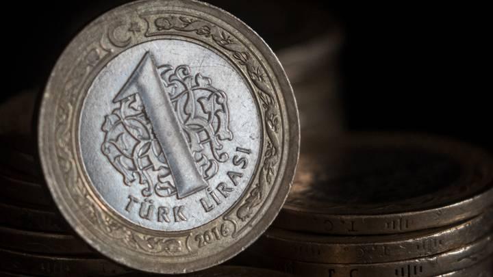 سعر صرف الليرة التركية مقابل الدولار واليورو في تعاملات اليوم الإثنين 20 / 9 / 2021