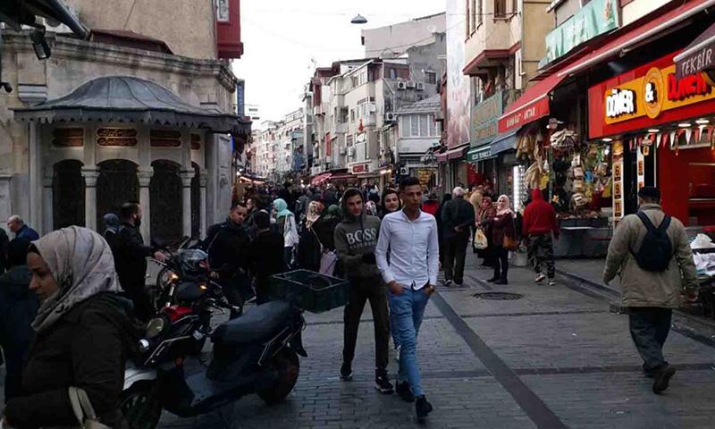 """مدير """"الهجرة الإقليمية"""" بتركيا: السوريون ليسوا خطراً وأكبر مشاكلهم تُحل عبر أطفالهم"""