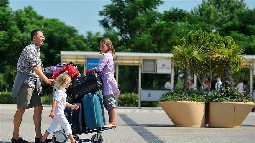 تركيا تهدف لرفع عائداتها السياحية إلى 33 مليار دولار