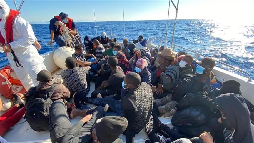 خفر السواحل التركي ينقذ 84 مهاجرًا غير نظامي