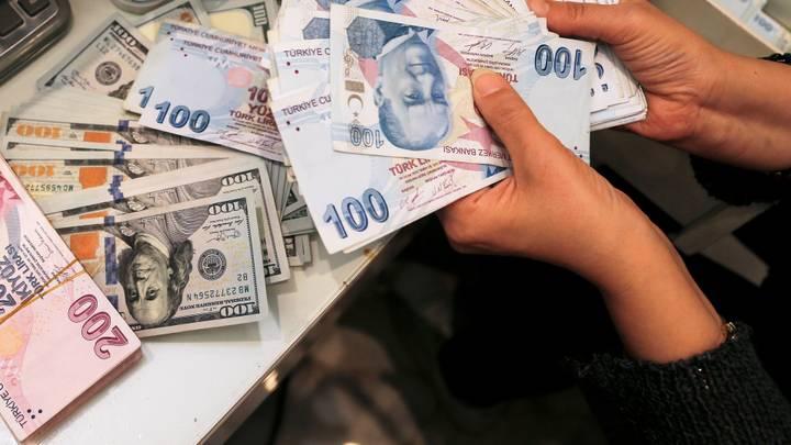 سعر صرف الليرة التركية مقابل الدولار واليورو في تعاملات اليوم السبت 16/ 10 / 2021