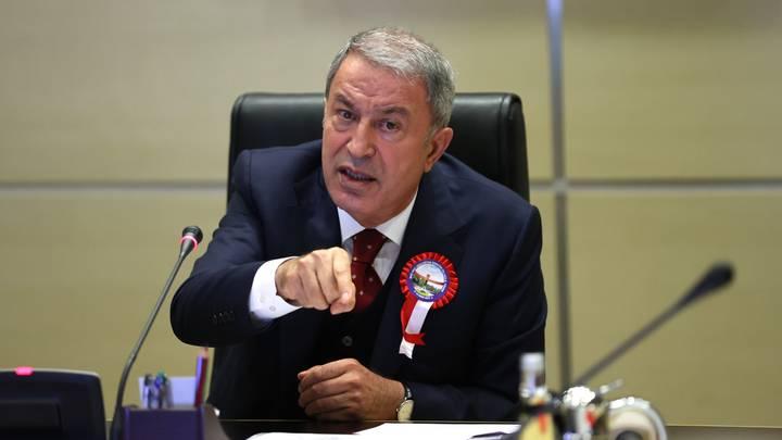 وزير الدفاع التركي: سنفعل كل ما يلزم لوقف الهجمات الإرهابية شمالي سوريا